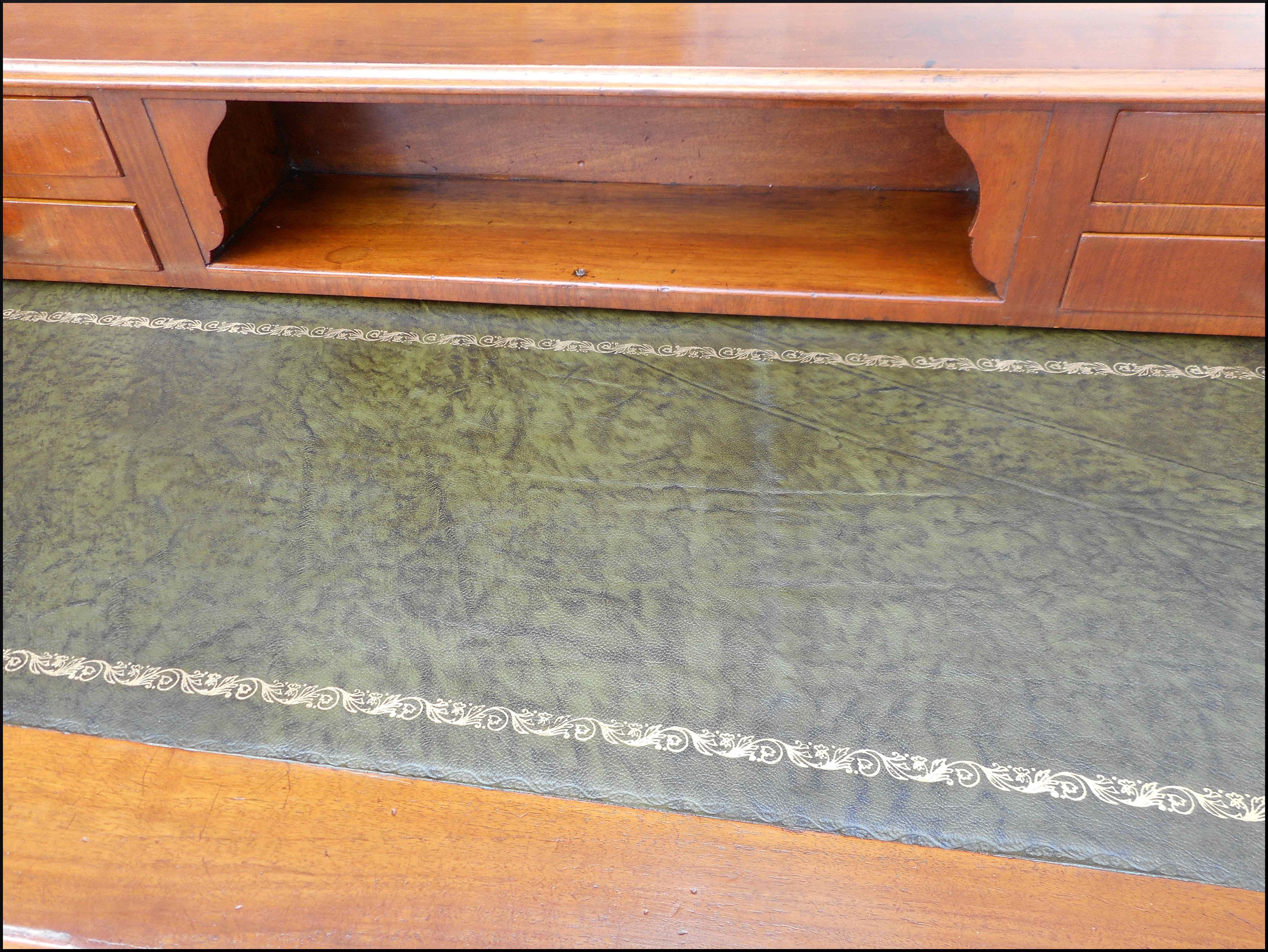 Scrittoio lombardo di fine 800 restaurato