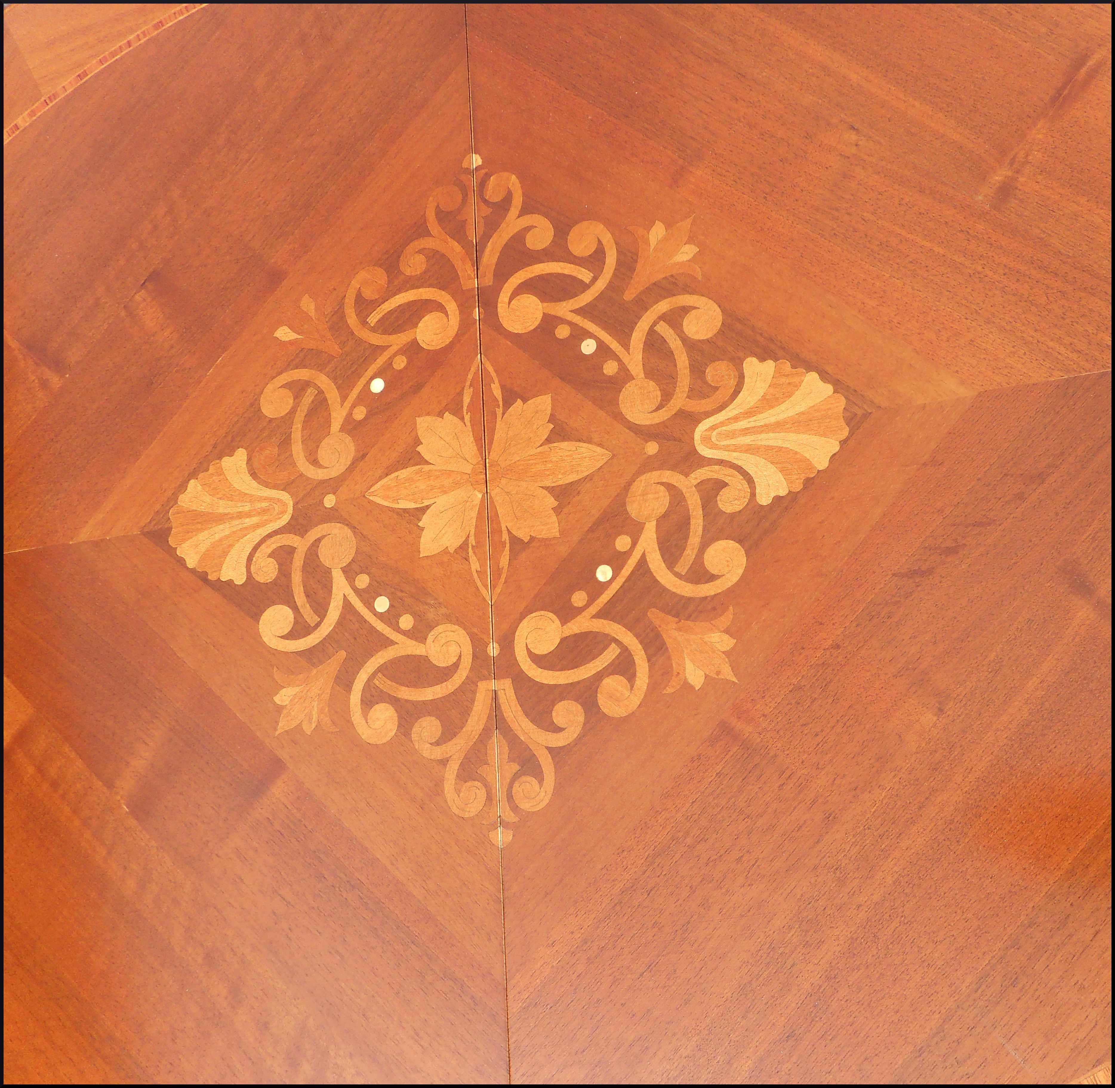 Tavolo classico ovale allungabile a 4 metri
