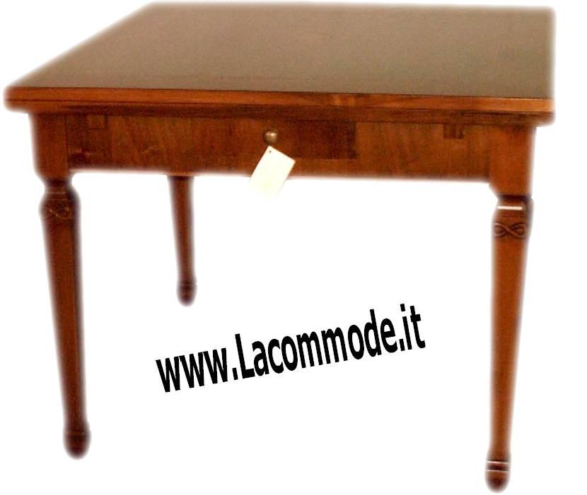 Tavolo artigianale su misura in stile classico