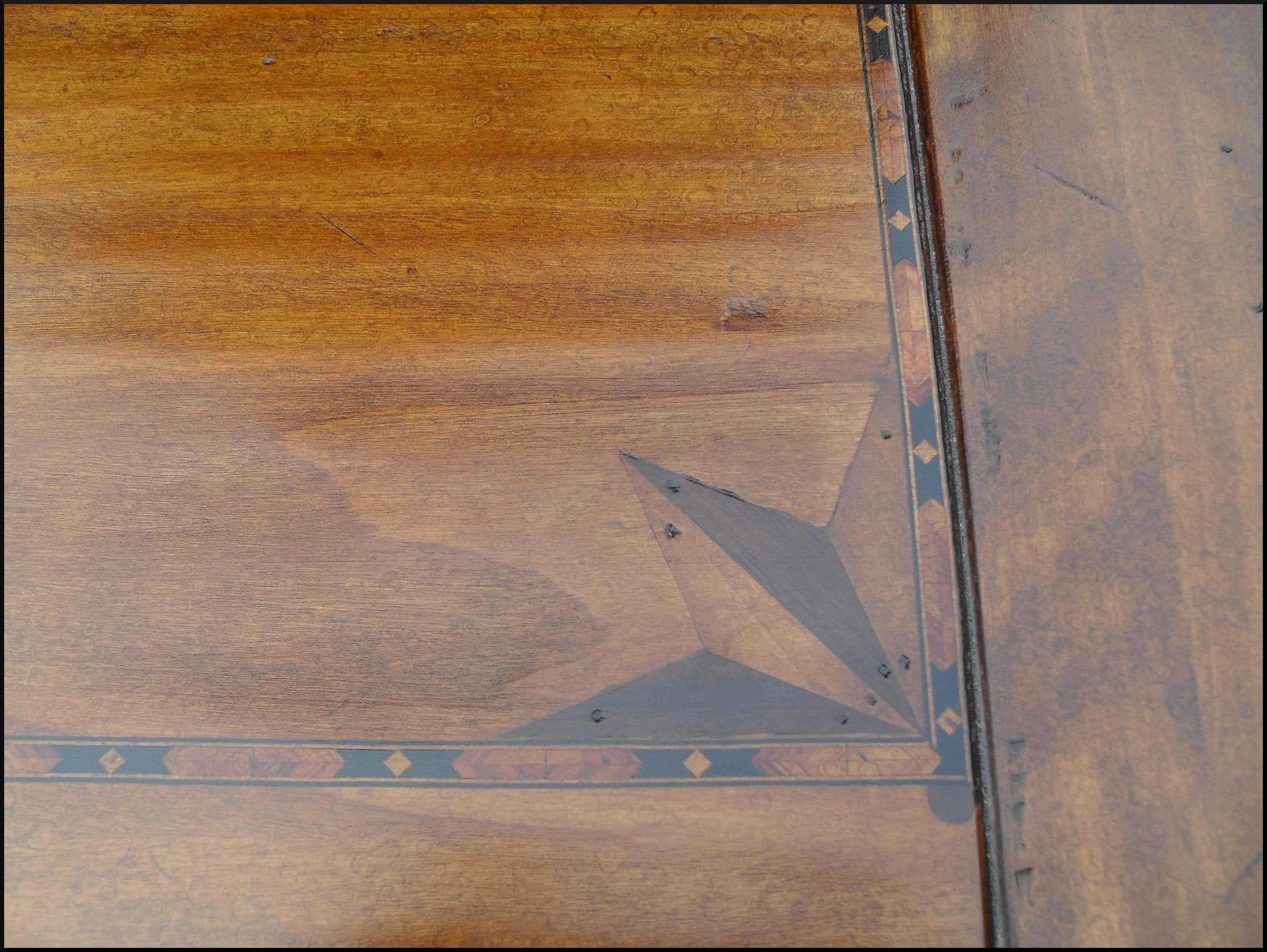 Tavolo tavoli classici artigianali intarsiati
