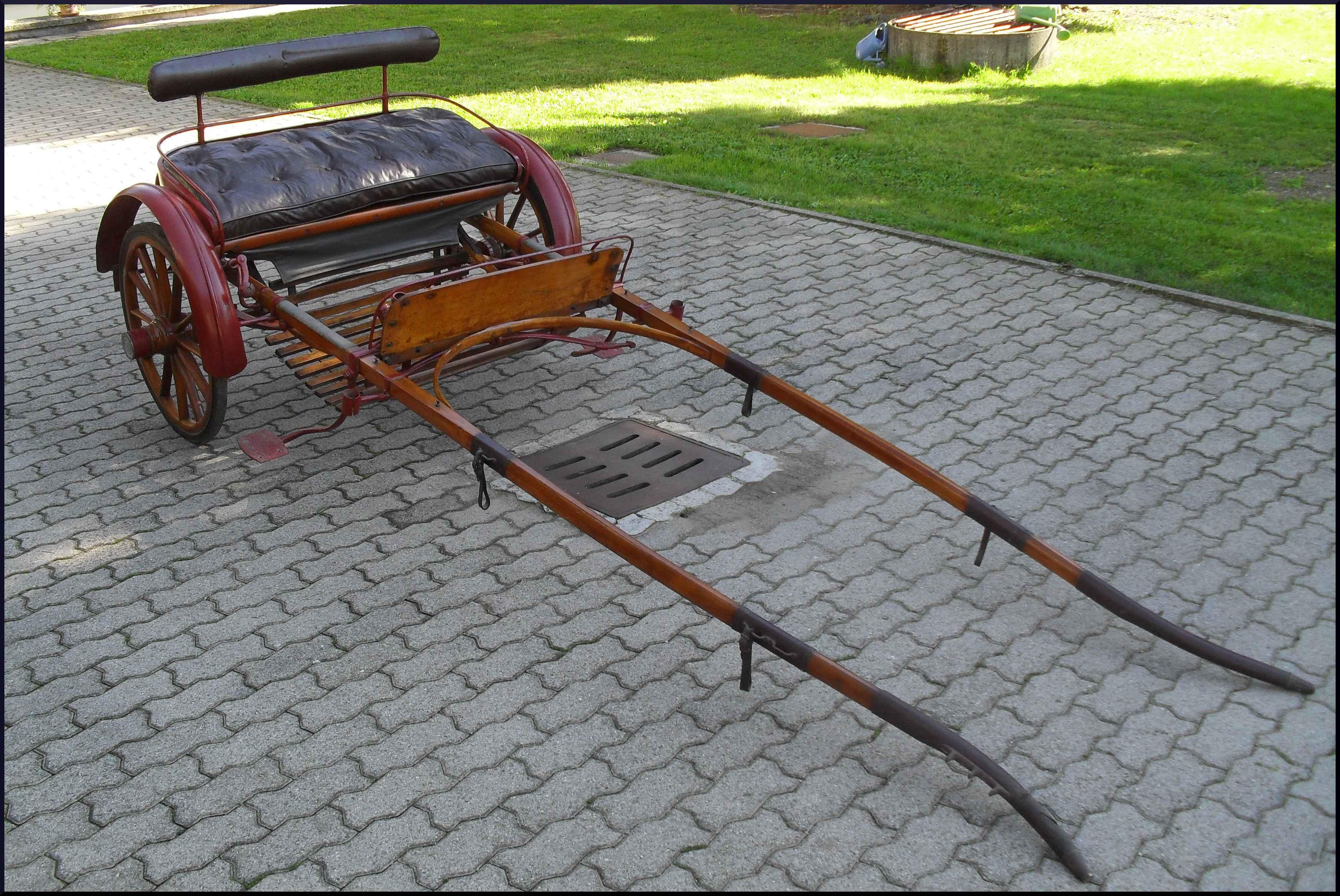 Antico calesse restaurato inizio '900