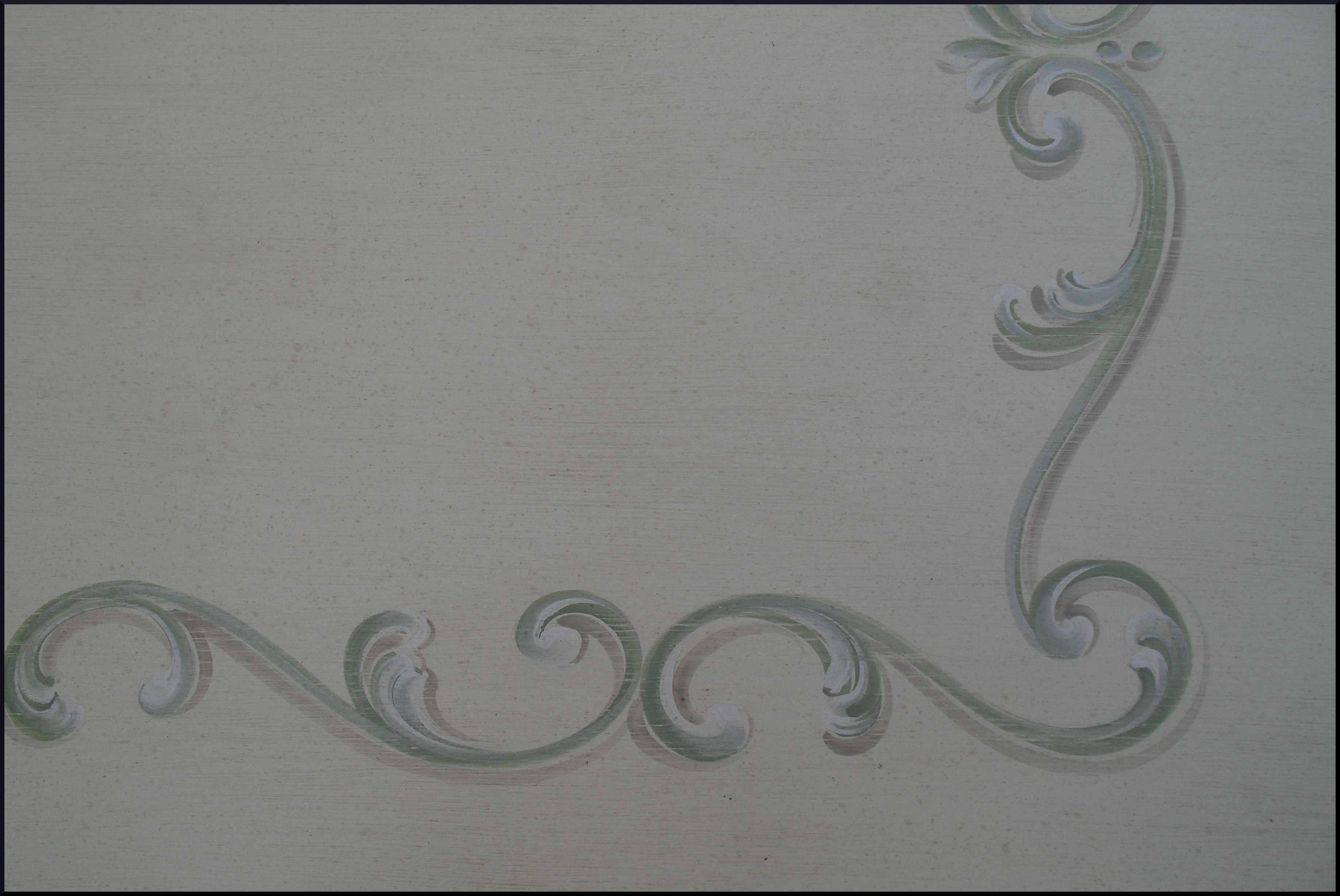 Scrittoio cinque cassetti dipinto e decorato