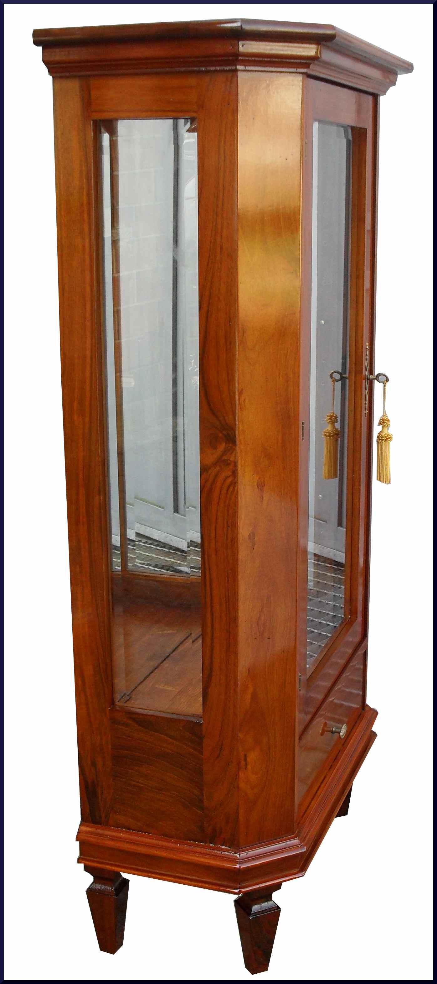 Elegante vetrinetta classica con specchio