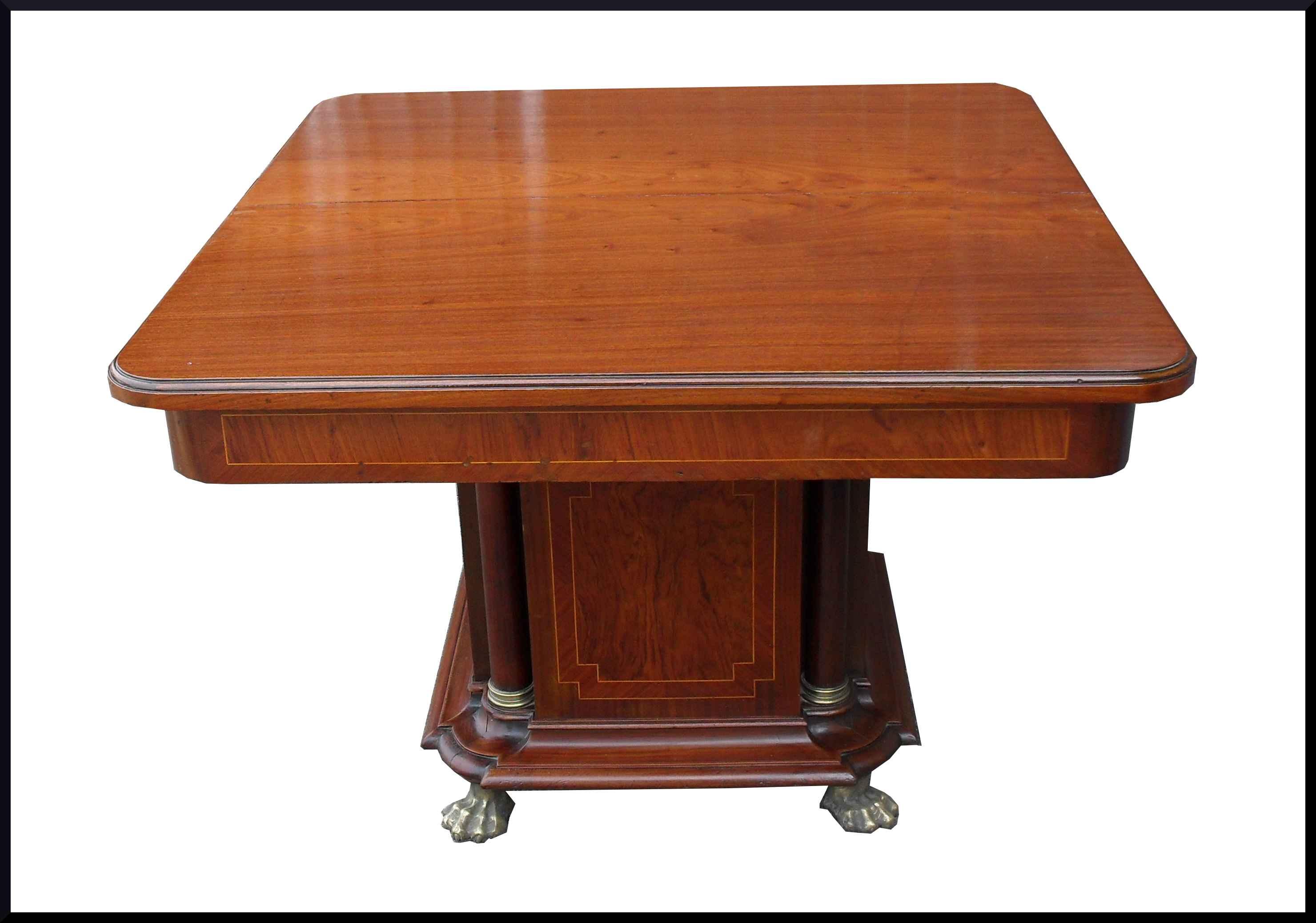 Raffinato  tavolo impero intarsiato con bronzi