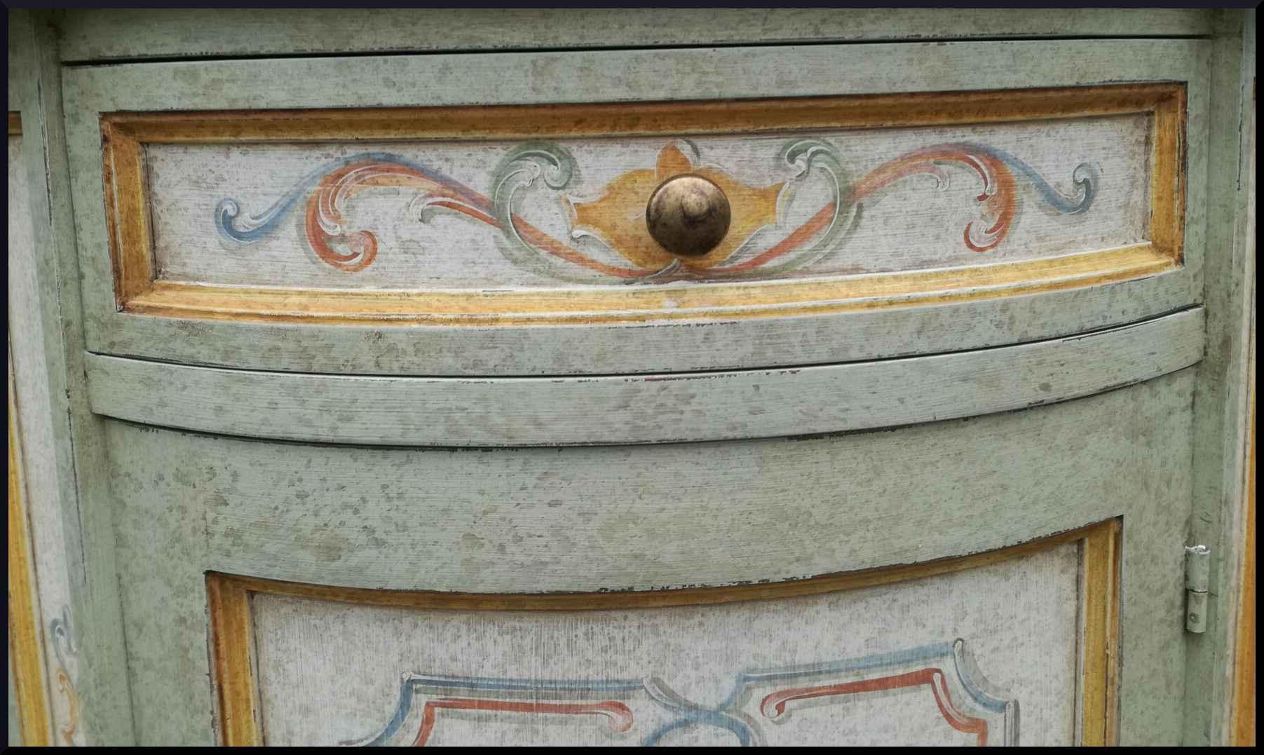 Angoliera cantonale dipinta e decorata