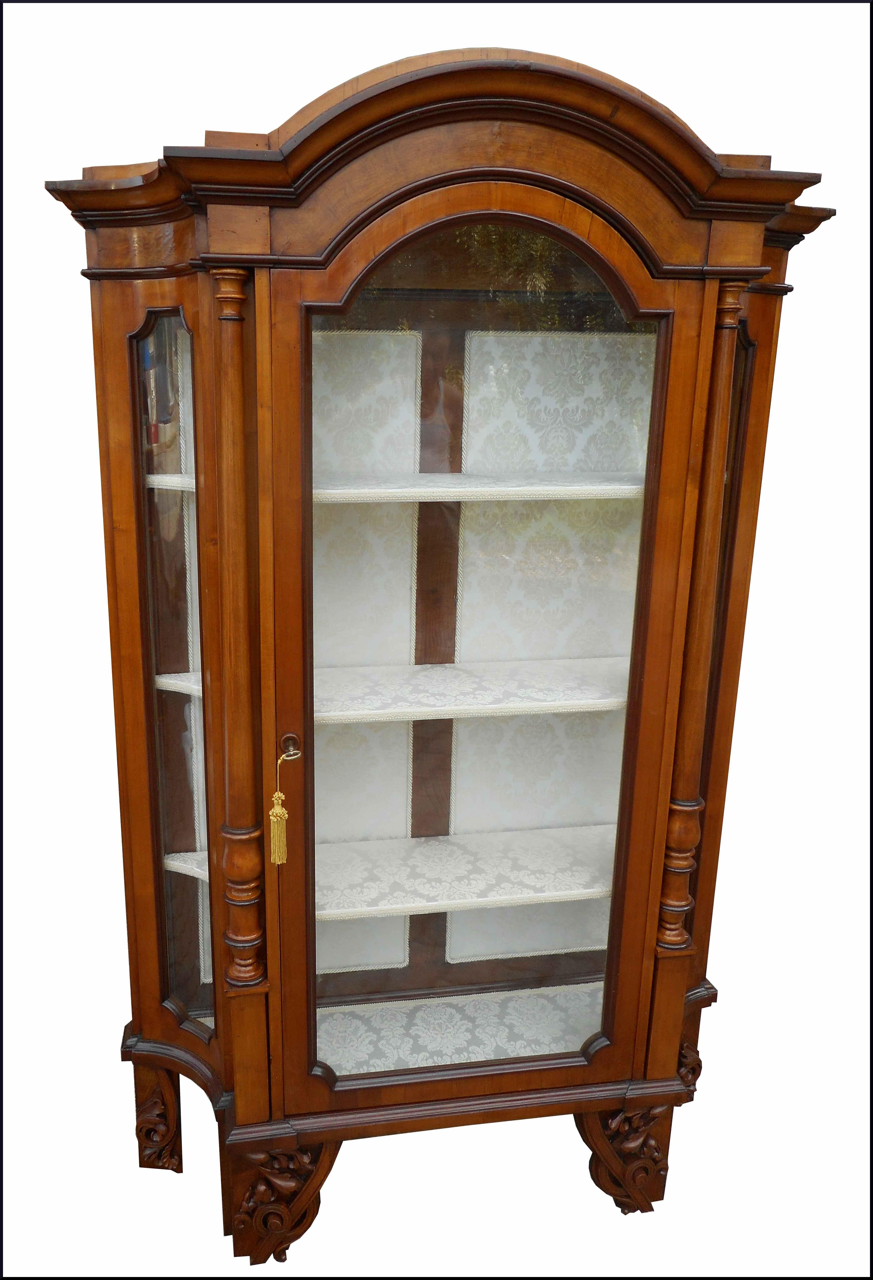 Antica vetrina 800 lombarda