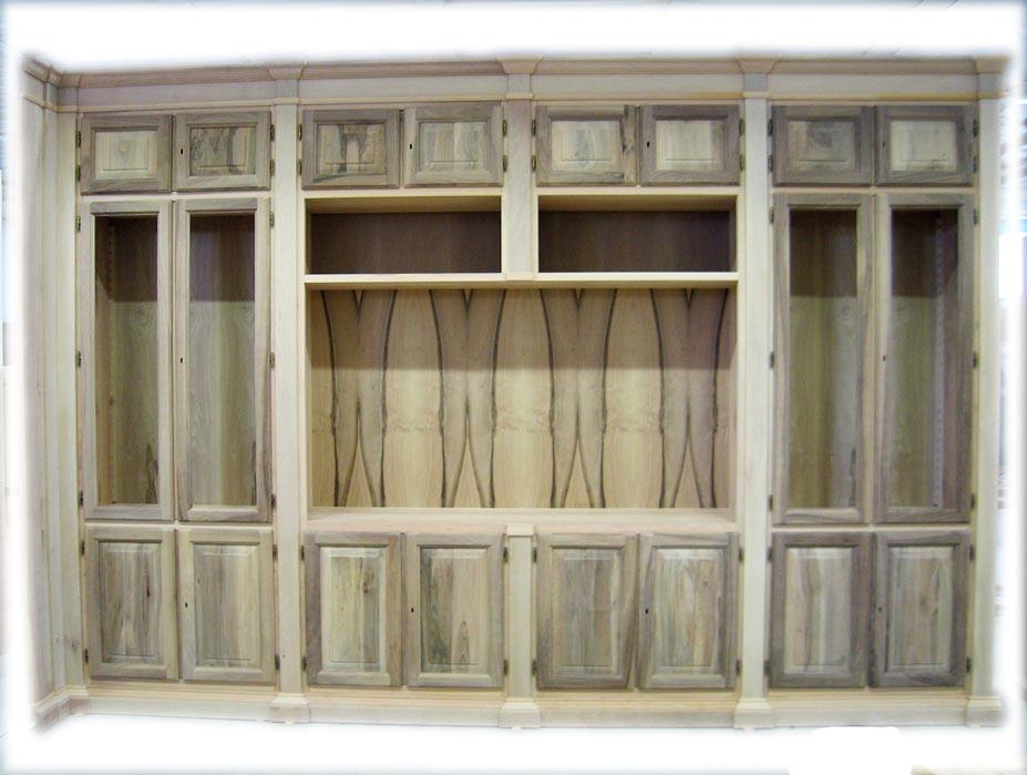 Mobili classici :librerie e pareti attrezzate noce