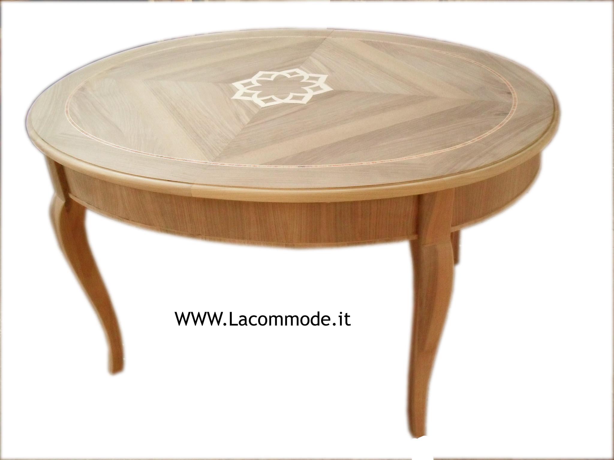 Tavolo classico ovale con intarsi