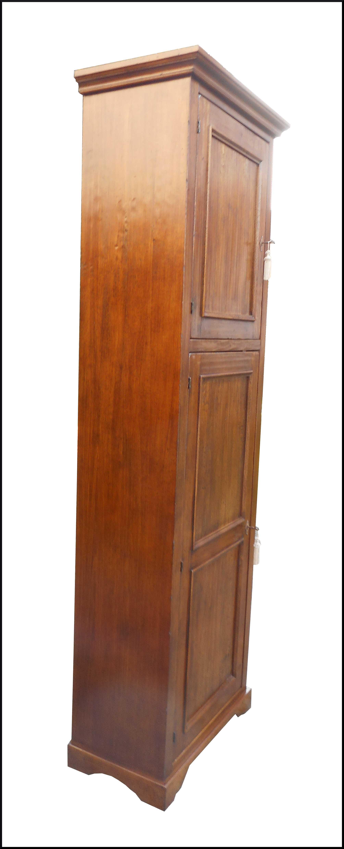 Armadio stipo doppia porta con ripiani